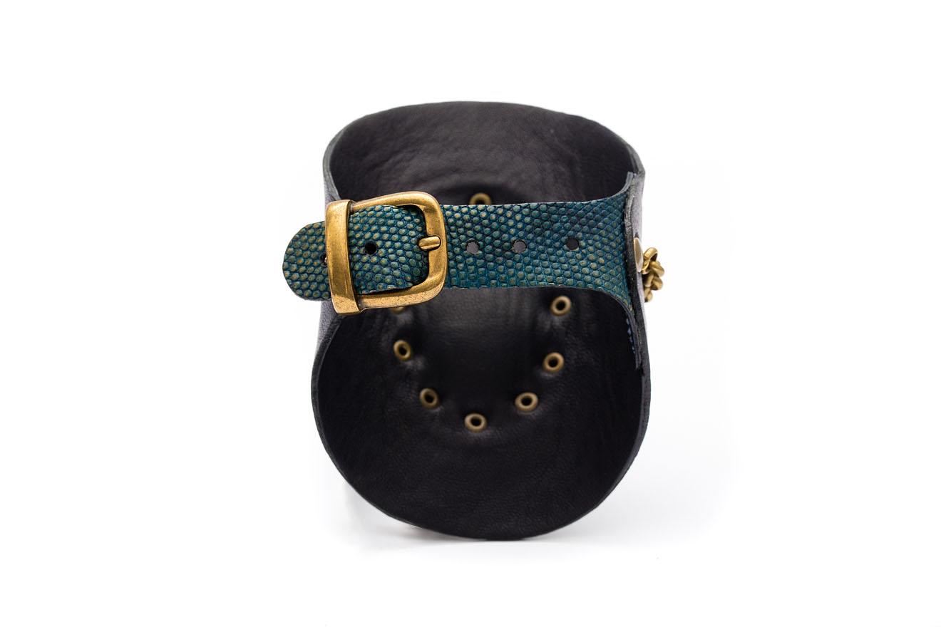 Close-up armband